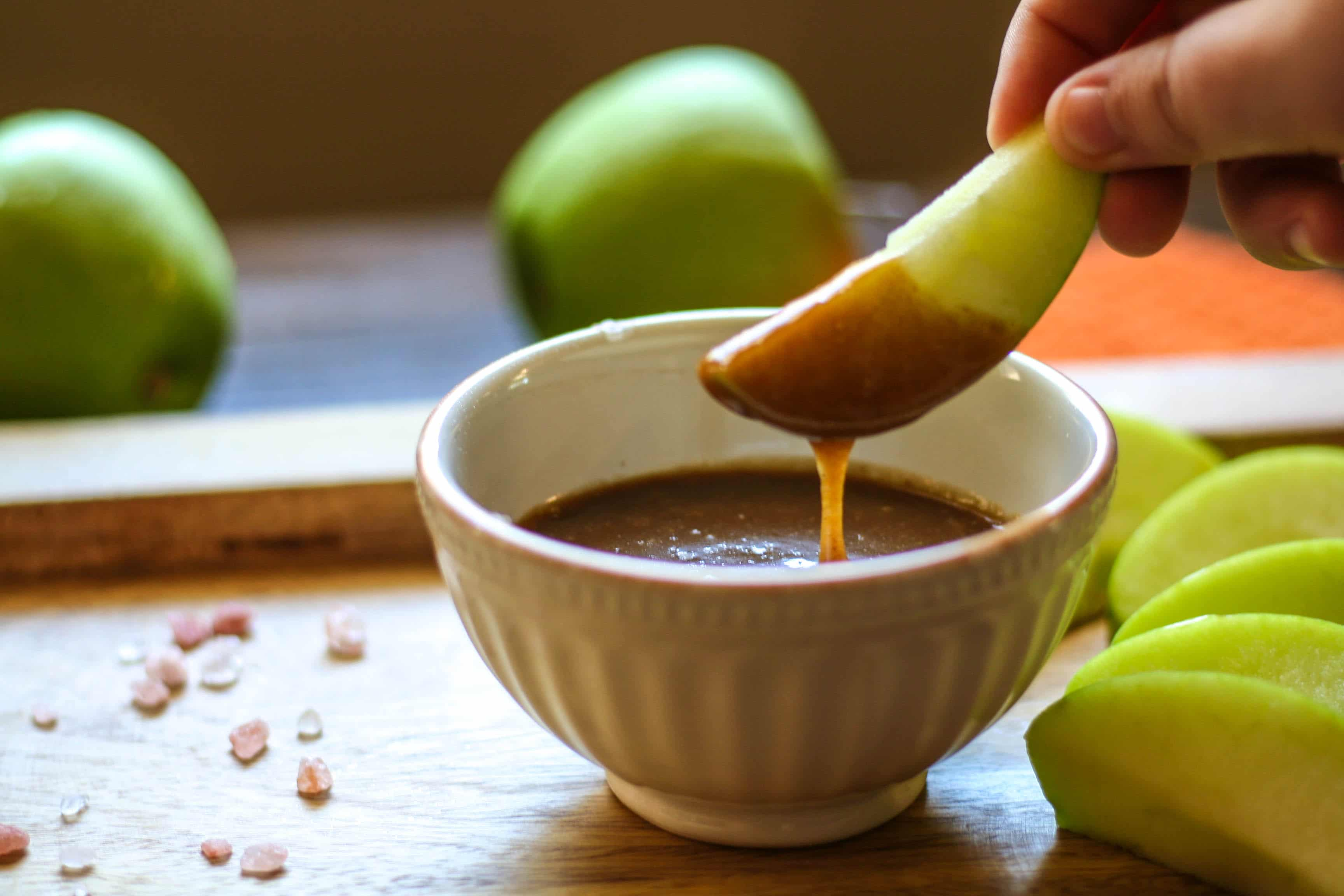 paleo-salted-caramel-dip