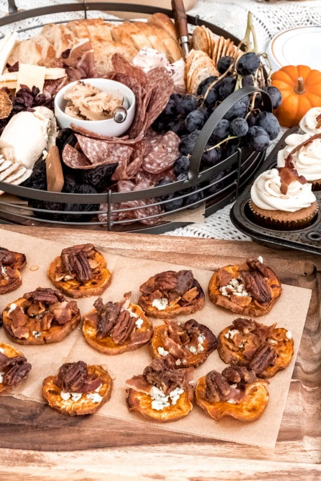 Trays of appetizers at an outdoor Friendsgiving picnic