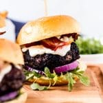 coffee rubbed burger with bacon and horseradish sauce
