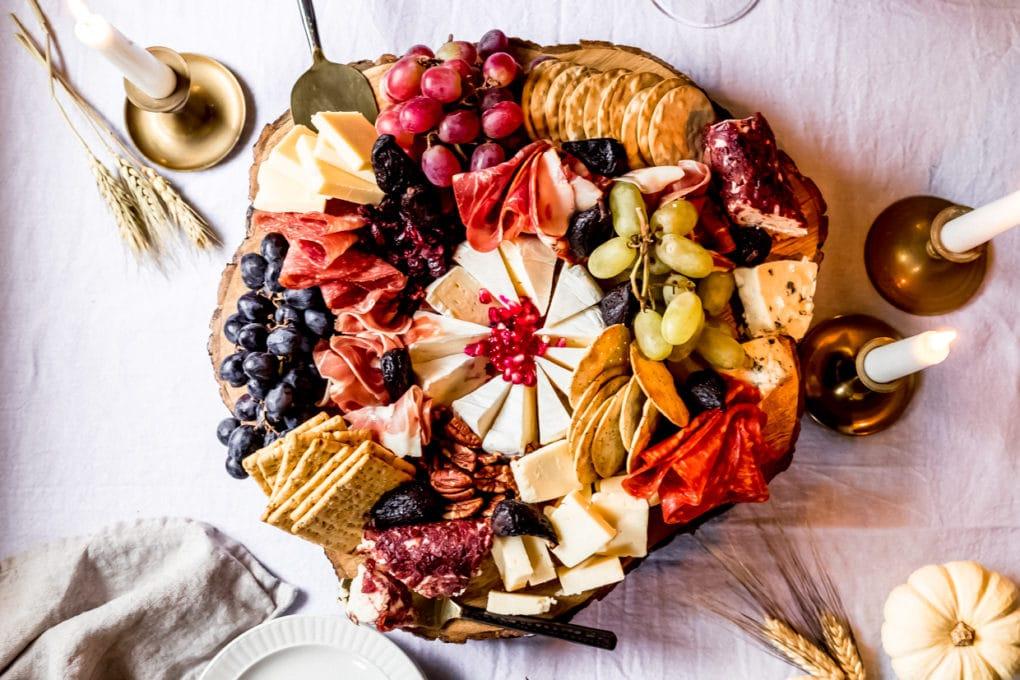 a thanksgiving charcuterie board