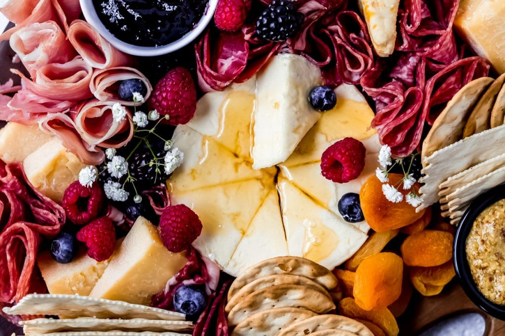 an easy charcuterie board for beginners
