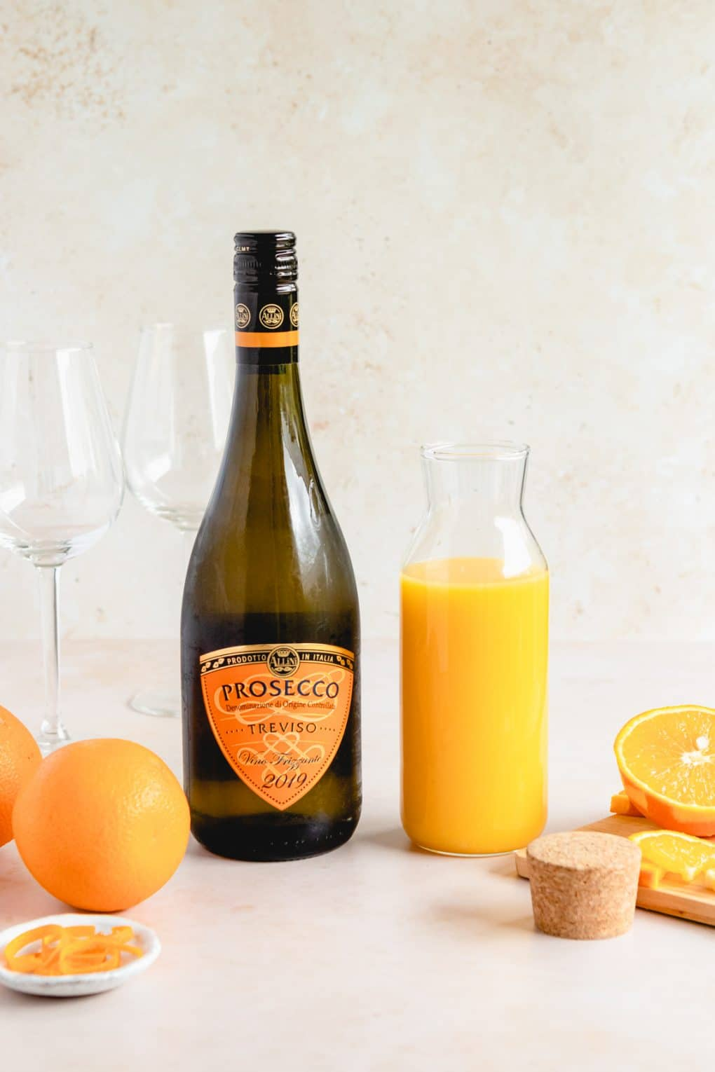 ingredients to make a classic mimosa